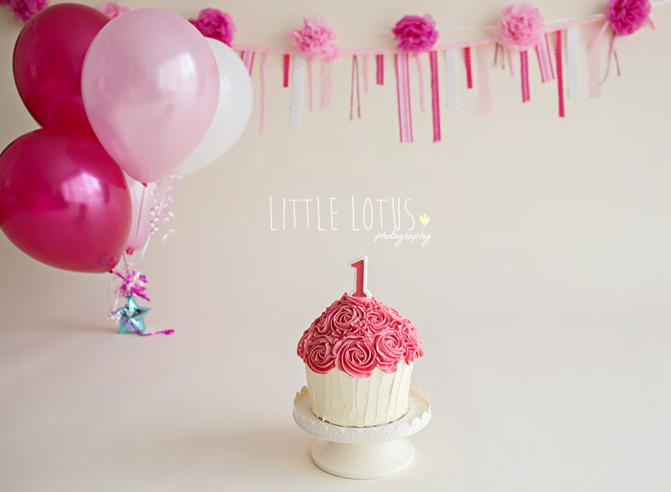 Happy Birthday Mia Cake